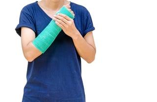 broken wrist cast