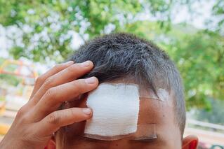 child-head-injury-bandage