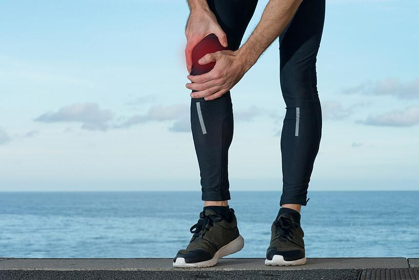 knee sprain causes risk factors and symptoms