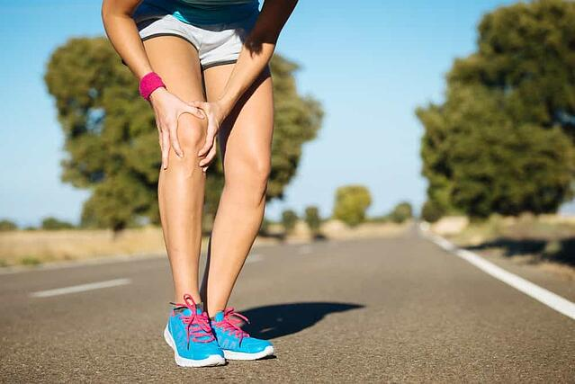 ACL-inury-knee-pain-woman-runner
