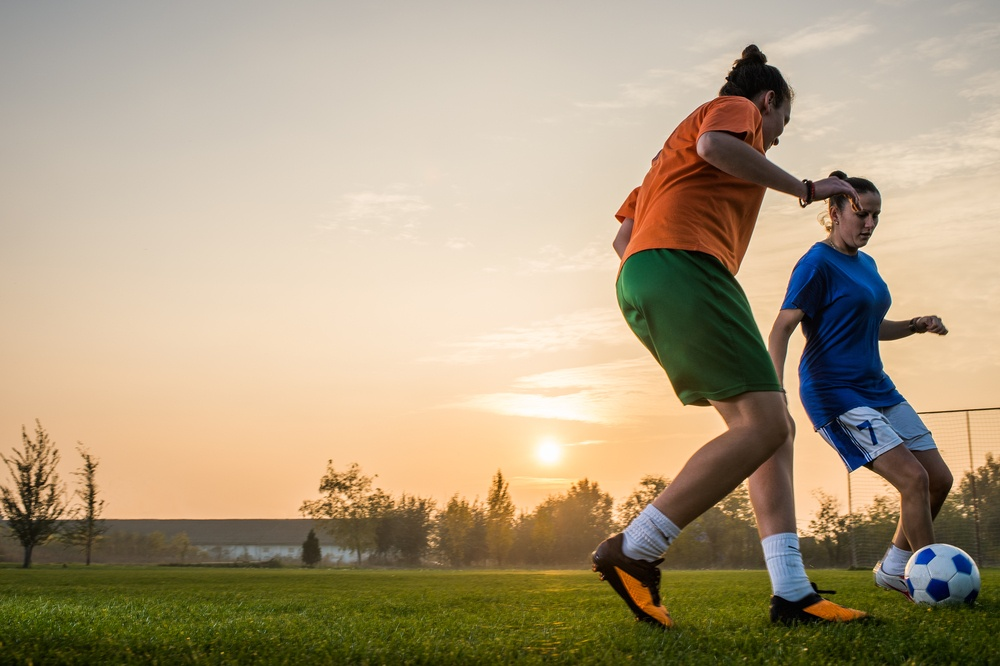 ACL-injuries-women-playing-soccer