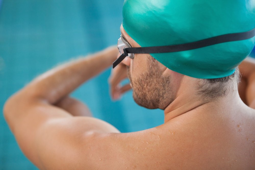 swimmers shoulder injury signs symptoms and treatments